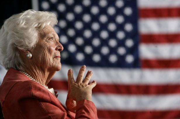 Zemřela Barbara Bushová. Bývalé první dámě USA bylo 92 let, obhajovala tradiční rodinu, ale i interrupce