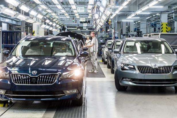Tuzemský automobilový průmysl se ocitl v propadu. Zbytek roku se ale čeká růst