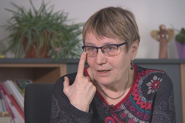 Ombudsmanka si stěžuje na ministerstvo vnitra. Tvrdí, že jí brání ve výkonu funkce