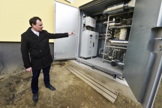Teplo i světlo zároveň. Mikolajice využívají první mikroelektrárnu na světě