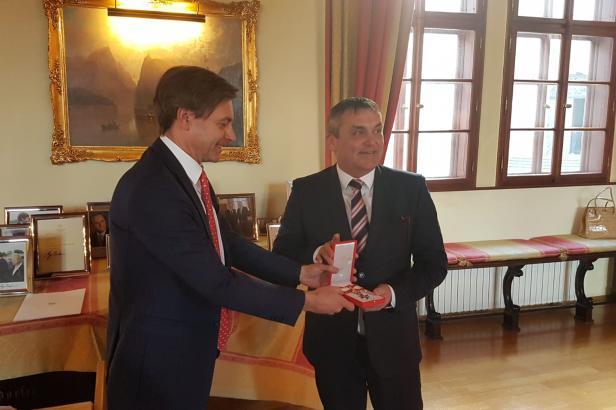 Bývalý brněnský primátor Vokřál dostal rakouské vyznamenání za akce smíření