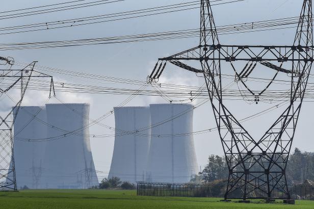 Češi loni spotřebovali rekordní množství elektřiny. Země ale zůstává i významným exportérem energie
