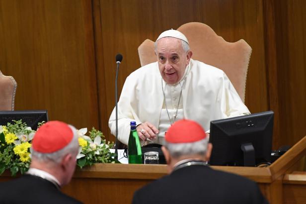 Kněží musí chránit své ovečky. Nikdo nesmí tvrdit, že se jej zneužívání netýká, zní ve Vatikánu