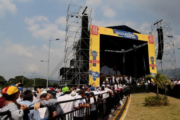 Venezuela nařídila částečně uzavřít hranice s Kolumbií