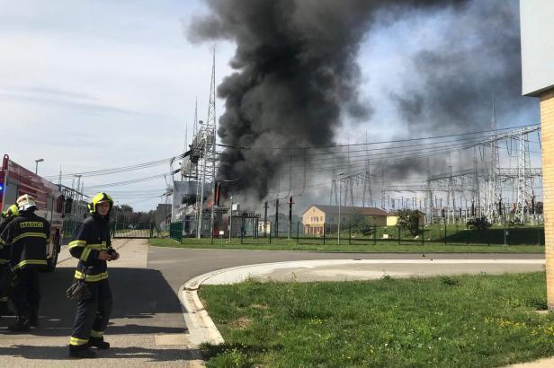 U Otrokovic hořel transformátor. Kouř byl vidět na kilometry