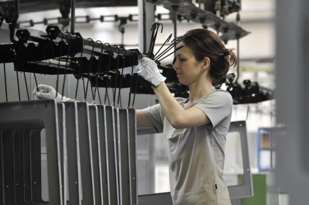 Zaměstnanci výrobce sporáků Mora Moravia dostanou přidáno až 5,5 procenta