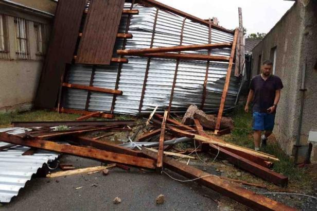Bouřky zasáhly Česko. Pět tisíc domácností je bez proudu