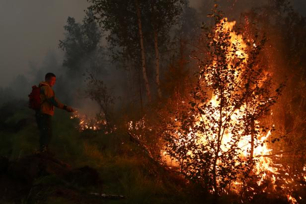 Na Sibiři shořely dva miliony hektarů lesa, vláda poslala na pomoc armádu