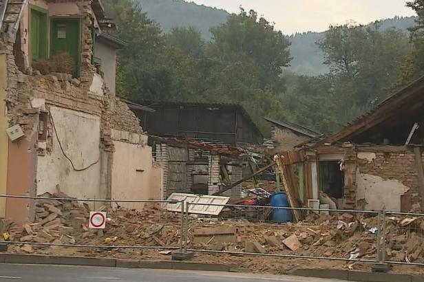 Jeden z domů v blízkosti místa výbuchu v Koryčanech začal praskat. Podle statika je neobyvatelný