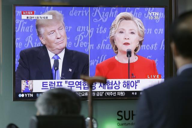 Diváci sledují první duel prezidentských kandidátů
