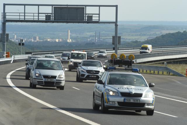 Omezení na D8 nad Prackovicemi skončilo