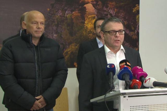 Brífink ministra zahraničí Lubomíra Zaorálka a Petra Jaška