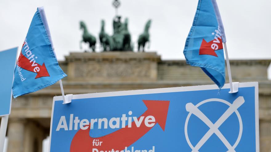 Video Euroskeptické Alternativě pro Německo zvoní umíráček
