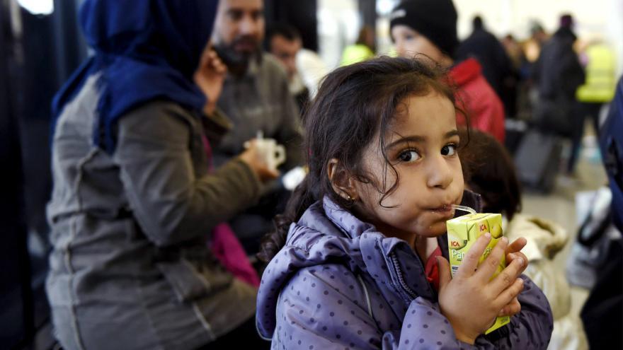 Video Dostat se z Řecka do Německa trvá uprchlíkům necelý týden