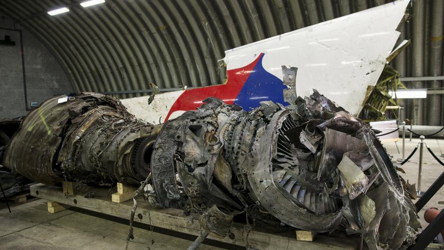 Video Dvořák z ČRo Plus: Najít viníky tragédie letu MH17 bude těžké