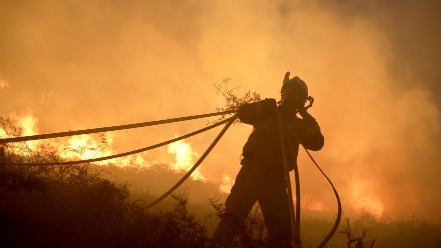 Video Hasiči ve Španělsku o svátcích bojují s požáry