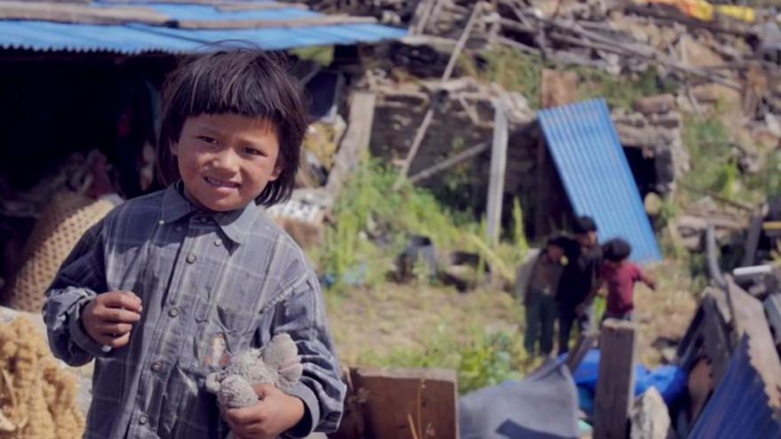 Video Studio 6: Organizace Člověk v tísni pomáhá Nepálcům