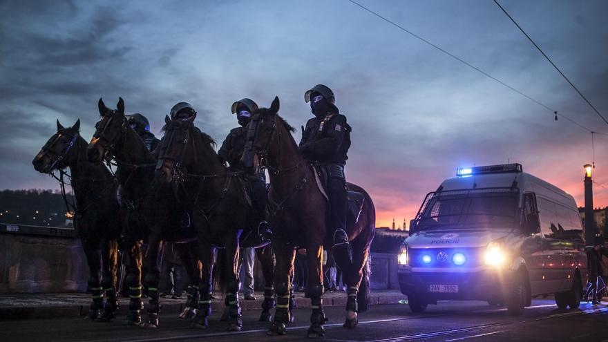 Video Policie po sobotních protestech zajistila několik lidí