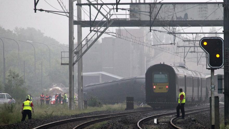 Video Novinářka: V úvahu připadá poškození trati bleskem