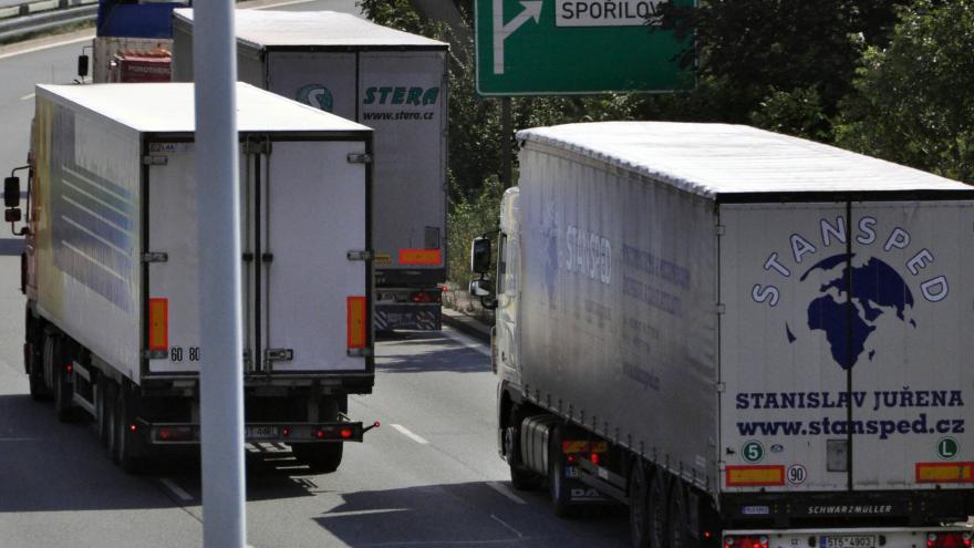 Video Události v Regionech: Praha chce zakázat vjezd kamionů