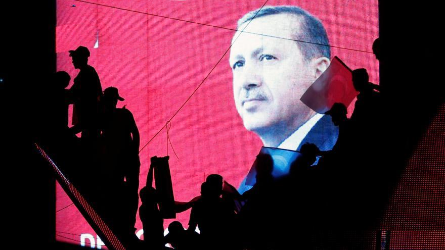 Video Demonstrace v Turecku má podpořit demokracii