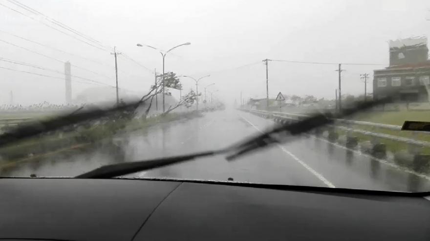 Video iReprotér: Tajfun na Tchaj-wanu