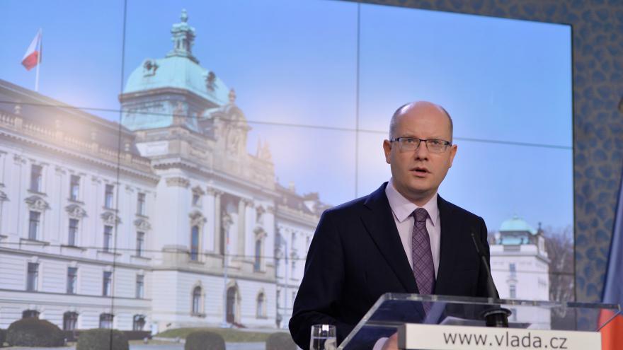 Thumbnail for Drahá mobilní data byla poslední kapkou. Sobotka odvolá ministra Mládka