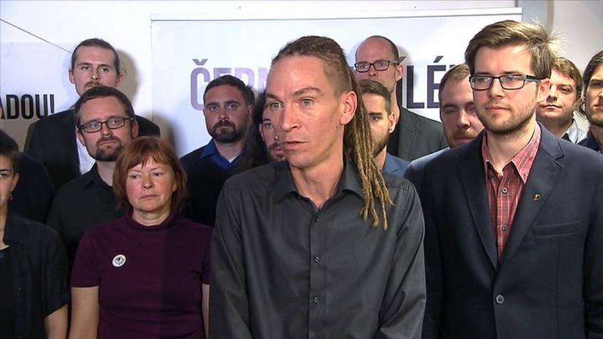 Video Brífink České pirátské strany