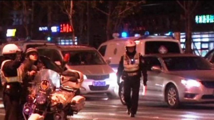 Video Falešné bankovky rozhýbaly v Šanghaji dav, přes 30 lidí zemřelo