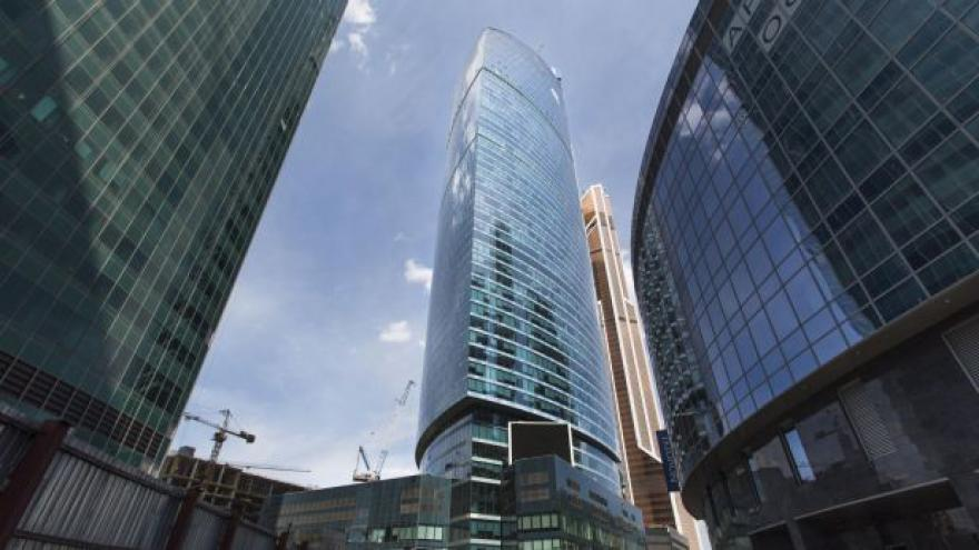 Video Ruská bankovní dvojka VTB dostane 100 miliard rublů
