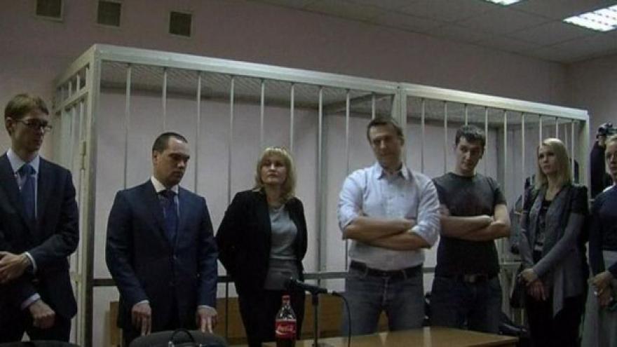 Video UDÁLOSTI: Navalného verdikt soudu překvapil