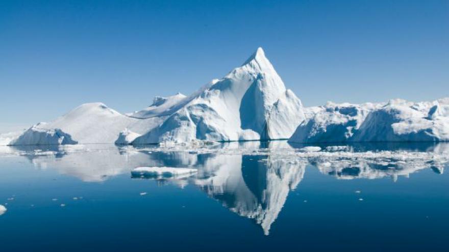 Video Do boje o Arktidu se pustilo Dánsko. Chce i pól