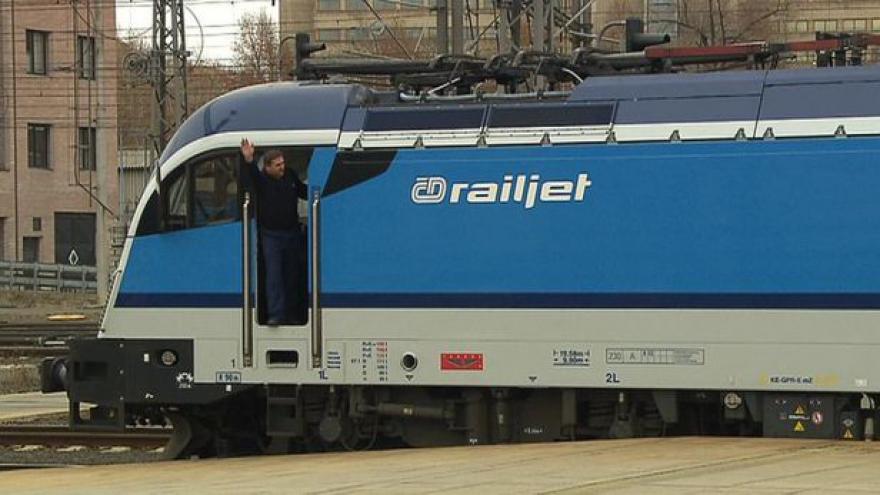 Video V novém jízdním řádu si budou vlaky ujíždět, varují sdružení