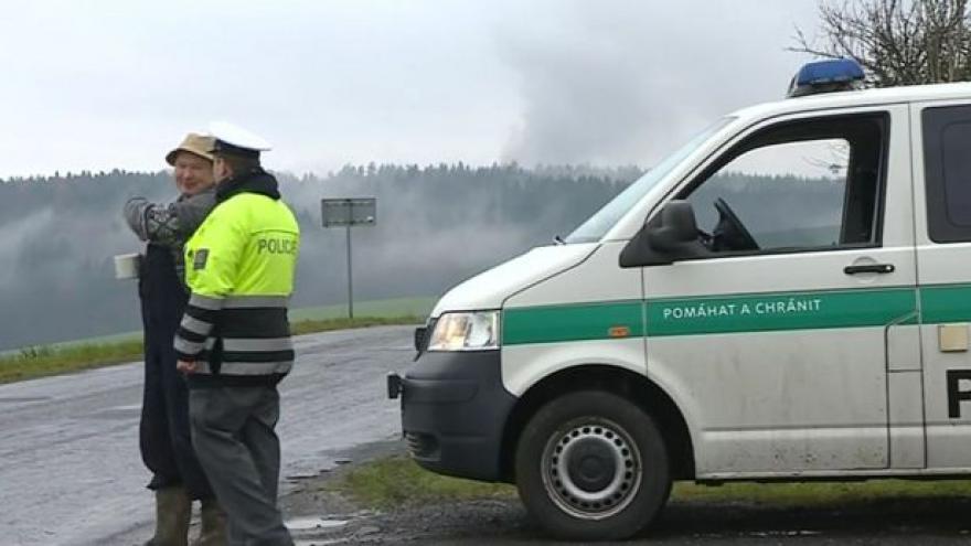 Video NO COMMENT: Vrběticemi otřásly výbuchy, policie oblast uzavřela