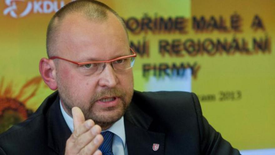 Video Bartošek (KDU-ČSL): Zahraniční politiku určuje vláda