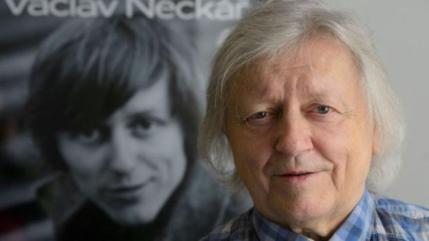 Video Václav Neckář vydává vánoční album