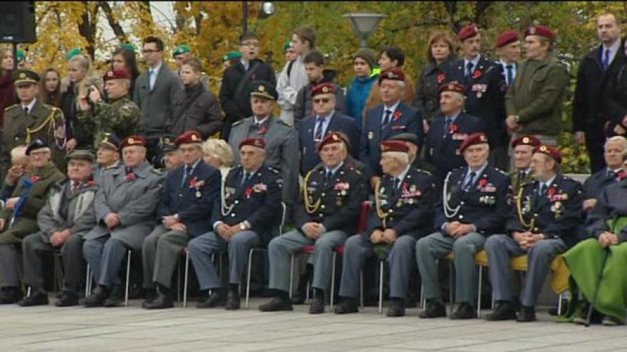 Video Česko si připomnělo Den válečných veteránů