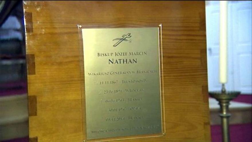Video Církev převezla ostatky biskupa Nathana do Polska