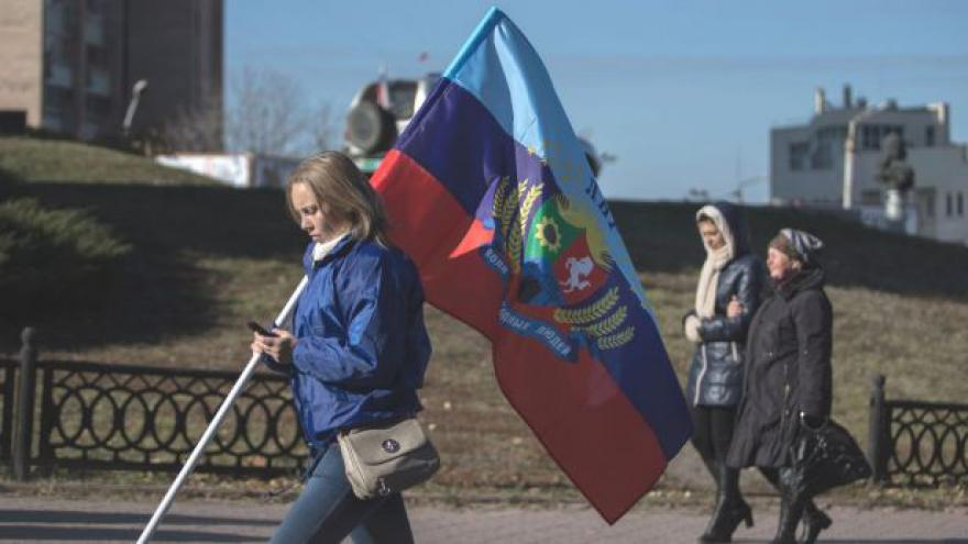 Video V separatistických volbách hlasovali i šestnáctiletí