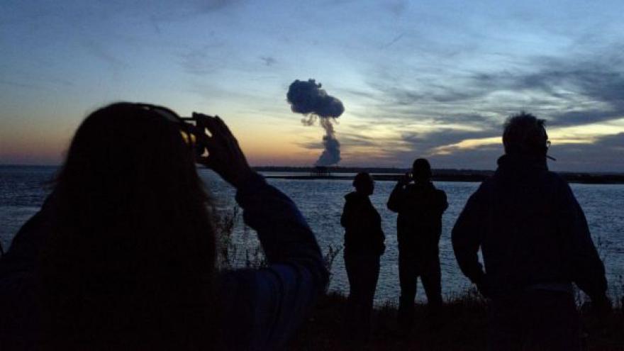 Video USA vyšetřují výbuch rakety těsně po startu