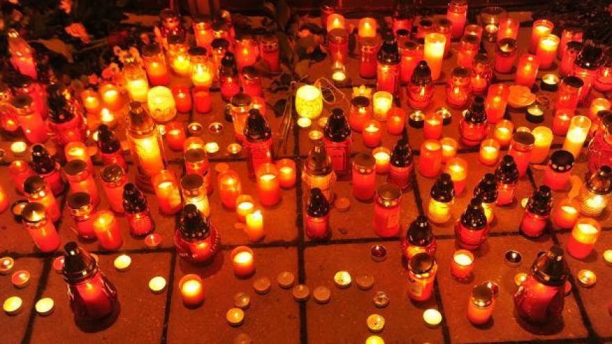 Video UDÁLOSTI: Žďár truchlí, Zeman zvažuje vyznamenání
