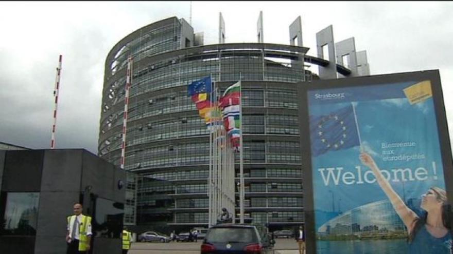 Video Potíže Junckerova týmu
