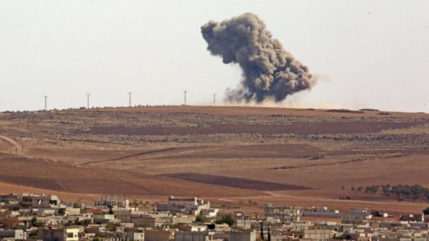 Video Mohutné nálety zastavily postup islamistů v Kobani