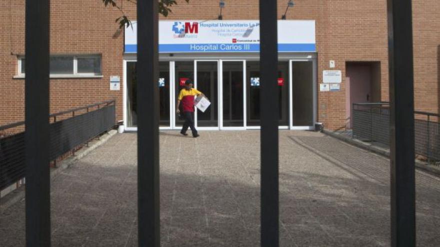 Video Ebola ve Španělsku: Manžela pacientky umístili do karantény