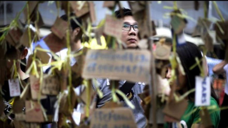 Video Havlovský boj i Lennonova zeď v kulisách Hongkongu