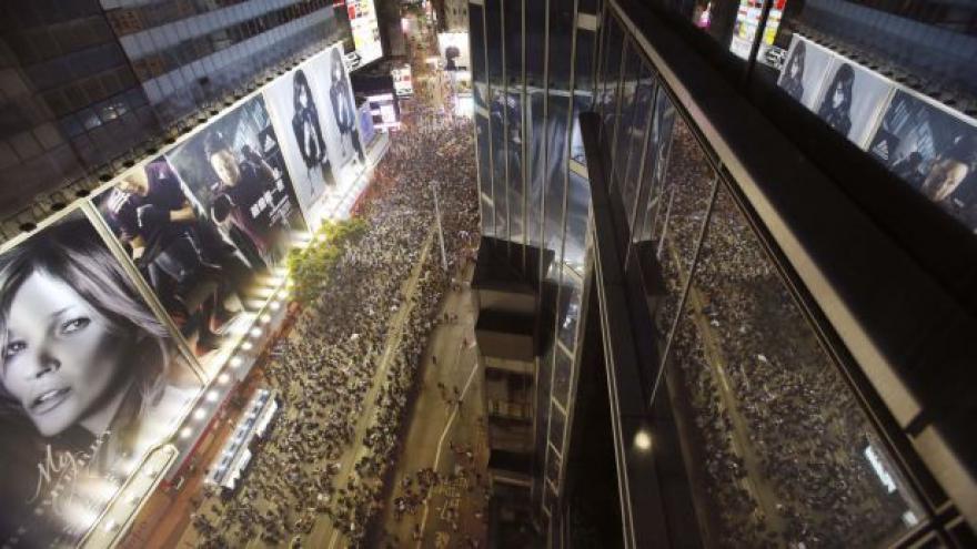 Video Hongkong zápasí o dodržení slibů - dokud nezasáhne policie