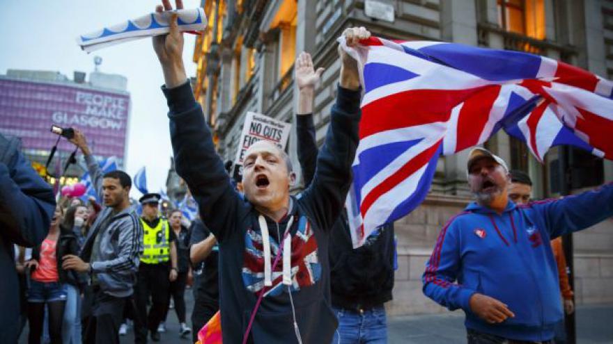 Video Ve Skotsku skončilo referendum o samostatnosti země