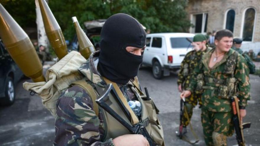 Video Karas: Obyvatelé Mariupolu se připravují na boj