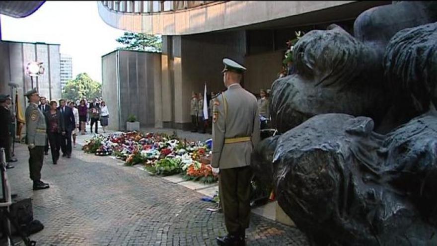 Video Slováci si připomněli 70 let od vzpoury proti nacismu