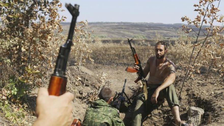 Video Proruští rebelové zřejmě dobyli ukrajinský Novoazovsk